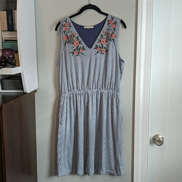 Skies Are Blue Dresses & Skirts - Stitch fix skies are blue embroidered dress Large